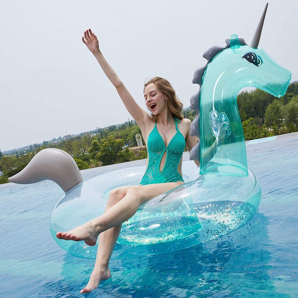 unicornio transparente para piscina